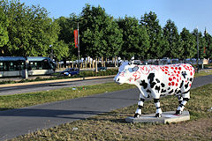 Cow Parade de Bordeaux : Bacchus Cow, quai Louis XVIII