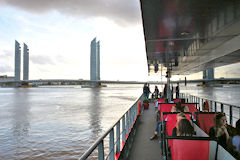 Espace passagers du Sicambre face au pont Chaban Delmas | photo 33-bordeaux.com