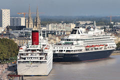 Les navires Ocean Dream et Prinsendam en escale à Bordeaux | Photo Bernard Tocheport