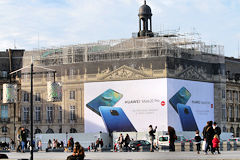 Bordeaux restauration toiture Palais de la Bourse publicité Novembre 2018 | Photo Bernard Tocheport
