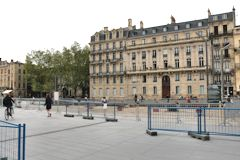 Bordeaux la place Pey Berland sans ses arbres | Photo Bernard Tocheport
