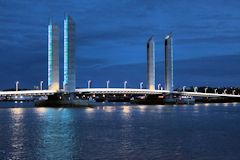 Premier éclairage du pont Jacques Chaban Delmas -  photo 33-bordeaux.com