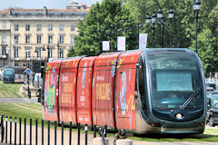 Tram aux couleurs de la Fan Zone de l'Euro 2016 | Photo 33-bordeaux.com